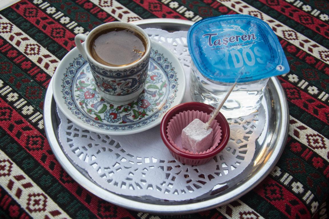 Kahve türkischer Mokka in Istanbul, Türkei