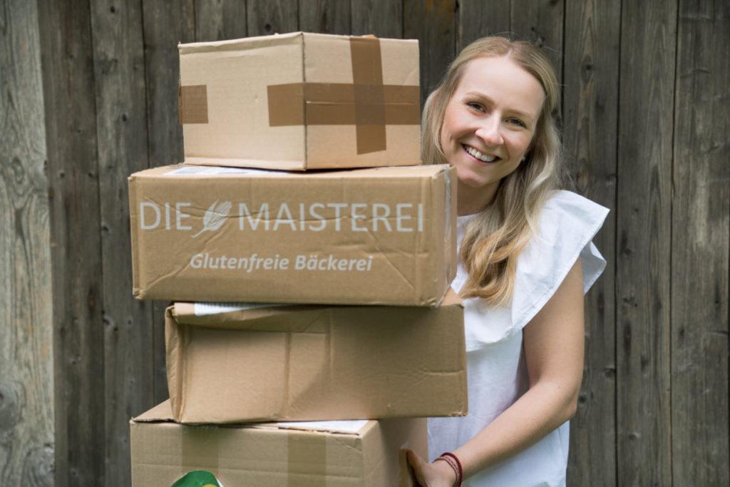 Kisten mit glutenfreien Backwaren