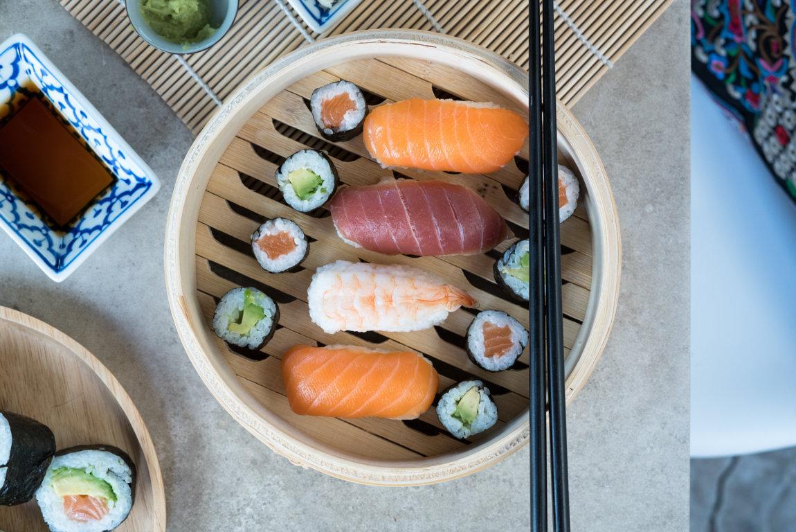 Esst ihr Sushi auch mit Stäbchen?
