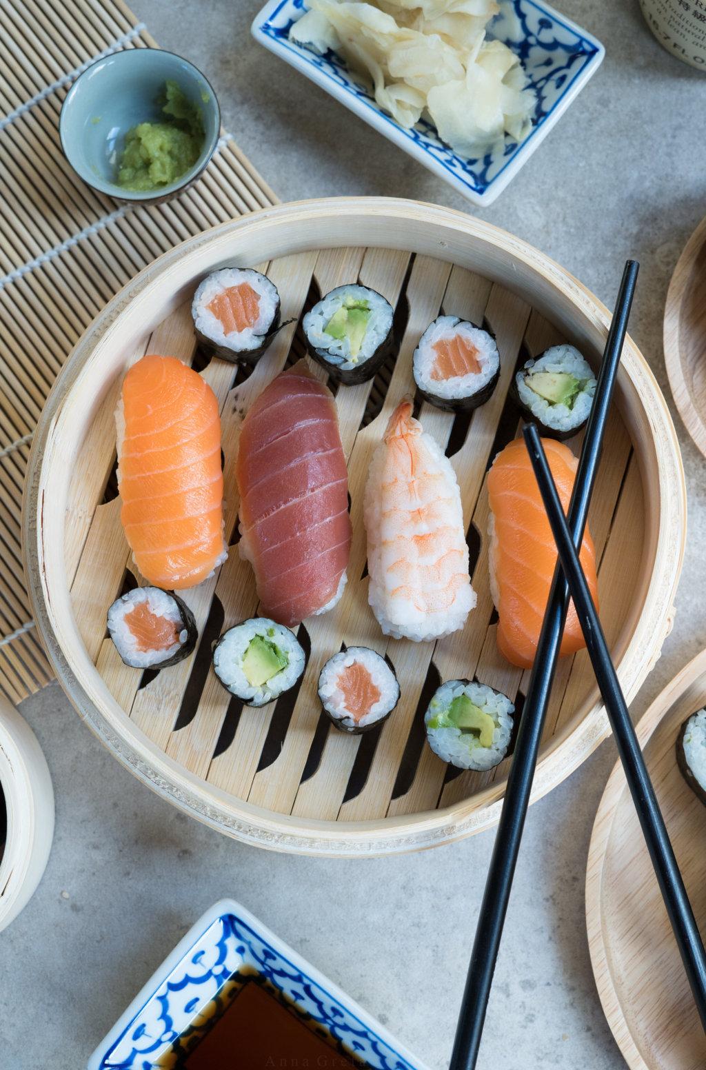 Auswahl an glutenfreiem Sushi