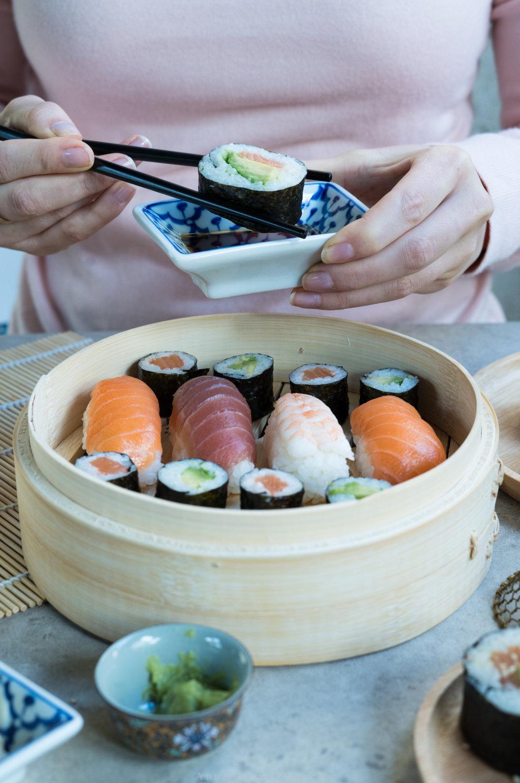 Zu Sushi gehört Sojasoße!