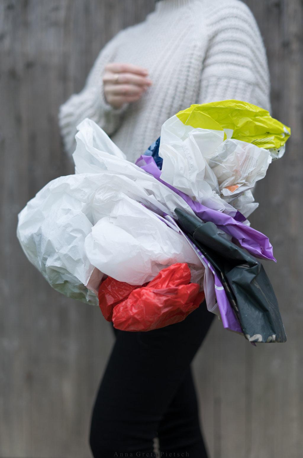 Alte Plastiktüten eignen sich als Müllbeutel