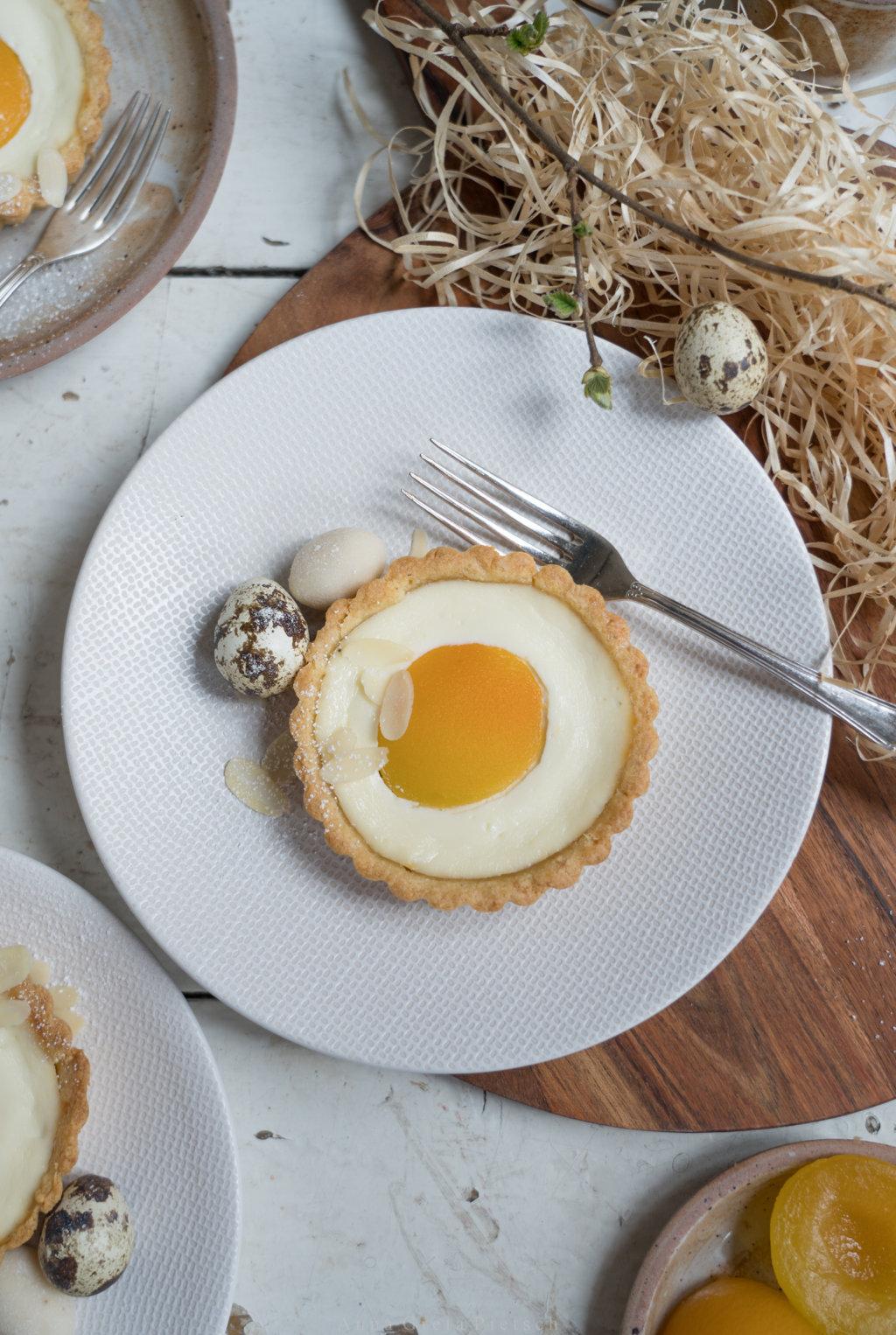 Tartelette mit Schmand und Aprikose