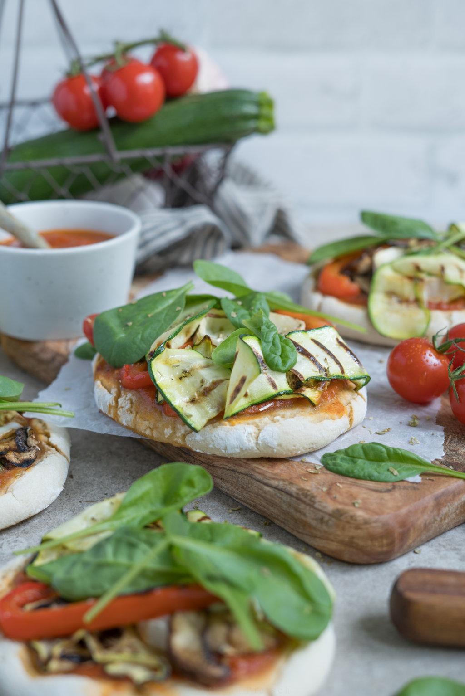 Rezept: Mini-Pizzen mit Grillgemüse