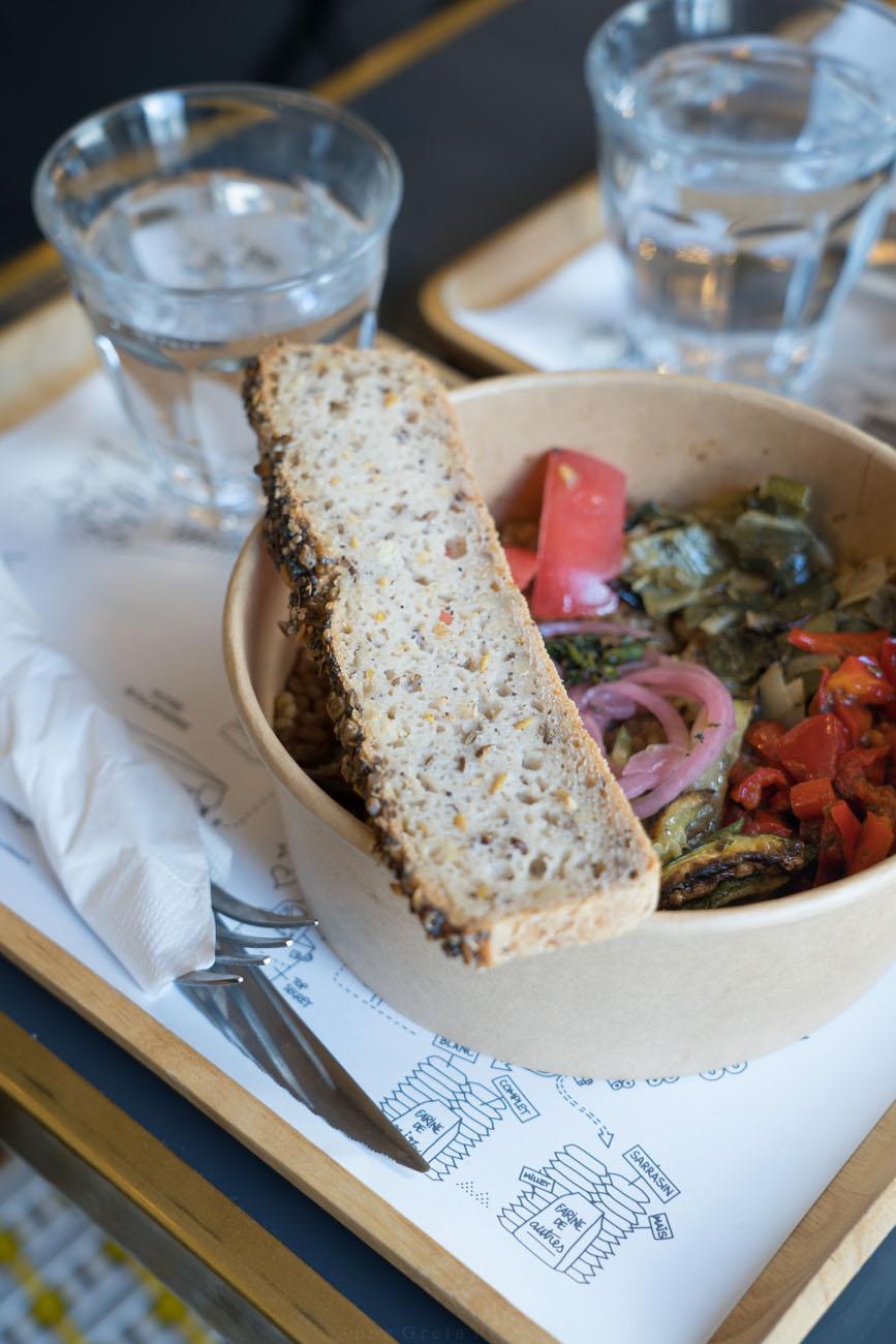 Lunch und Brot in der Boulangerie Chambelland, Paris