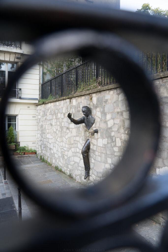 Le Passe Muraille, Montmartre, Paris