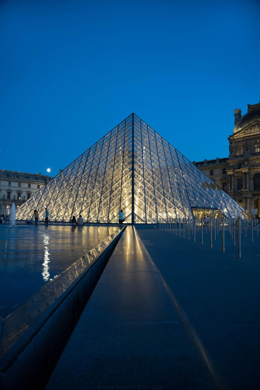 Louvre am Abend, Paris