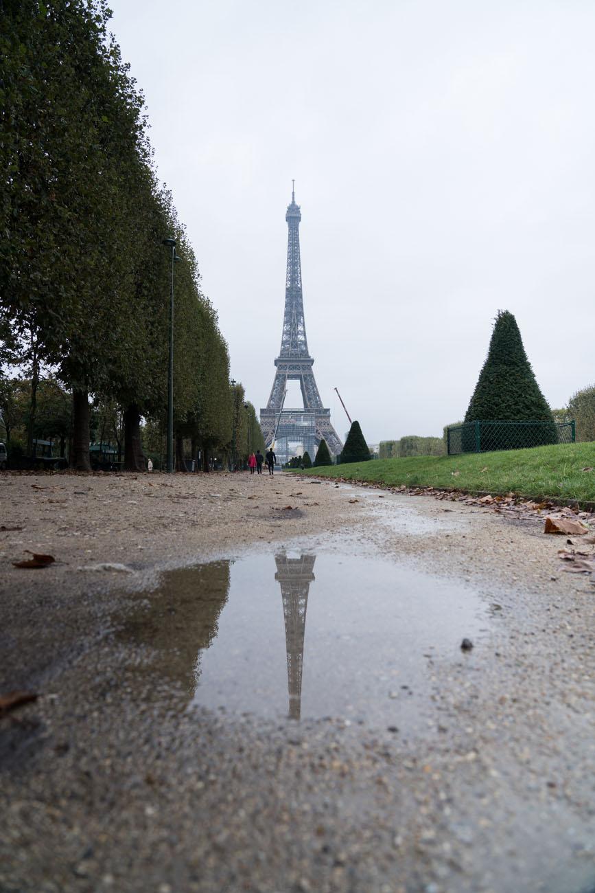 Eiffelturm im Regen, Paris