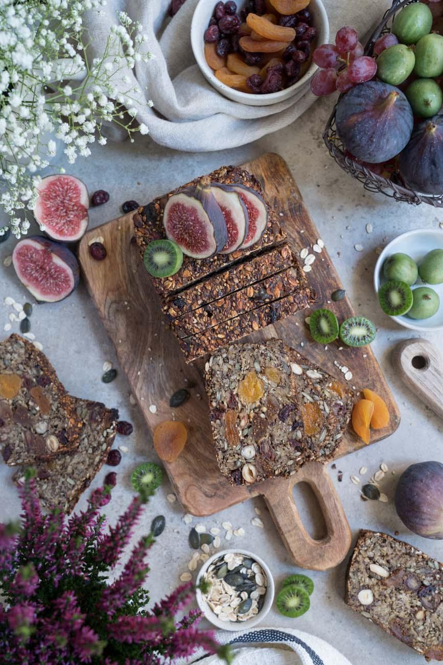 glutenfreies, veganes Früchtebrot